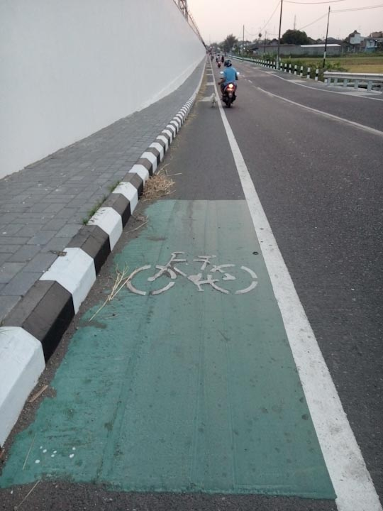 Jalur-Sepeda-Jong-Biru-Kediri-1